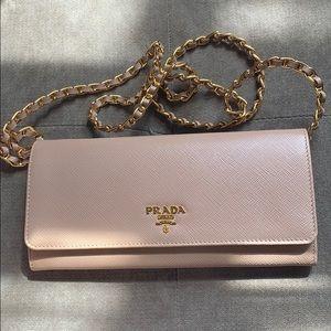 *Authentic* Prada Saffiano Wallet On Chain